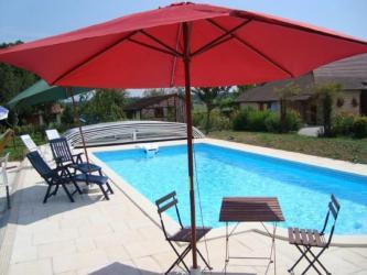 Gite avec piscine chambre d 39 hotes avec pisicine for Chauffer piscine gratuitement