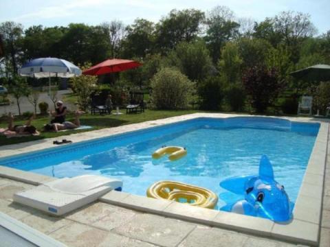 Gite avec piscine chambre d 39 hotes avec pisicine - Chambres d hotes aveyron avec piscine ...